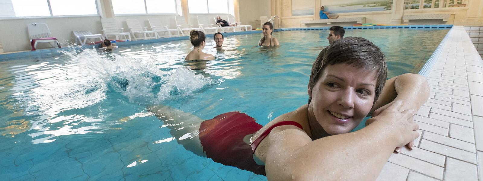 Schwimmbad02_16x6